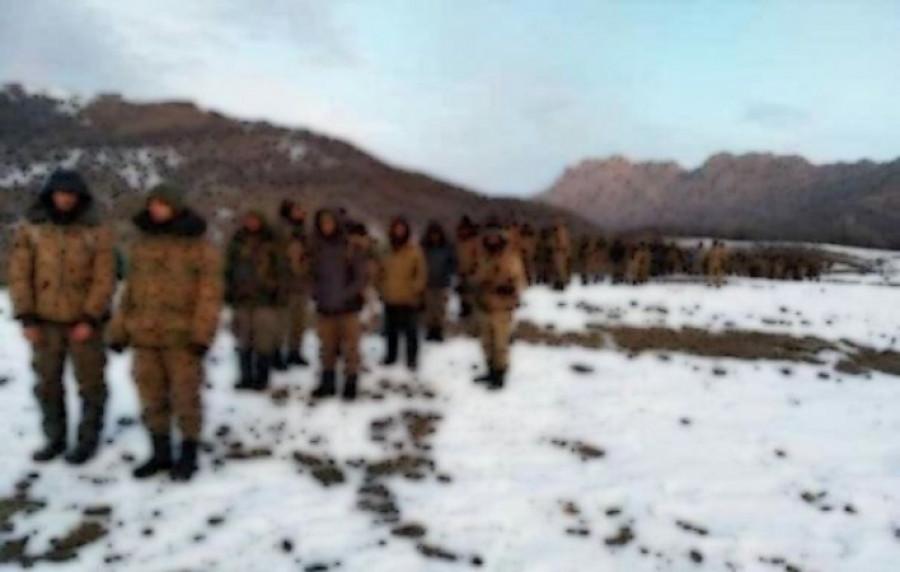 Համացանցում հայտնվել է մի լուսանկար հետևյալ գրառմամբ՝ 100 հայ գերիներ